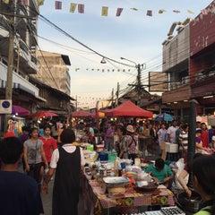 Photo taken at ตลาดสัตหีบ (Sattahip Market) by ART C. on 4/1/2015
