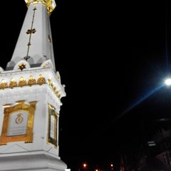 Photo taken at Angkringan Tugu by Rizky C. on 1/18/2014