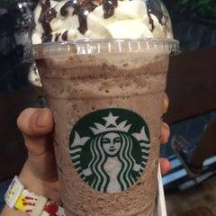 Photo taken at Starbucks (สตาร์บัคส์) by JEJEE 5. on 8/23/2015