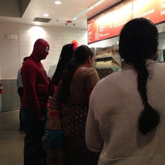 Photo taken at Chipotle Mexican Grill by Dorothy L. on 11/1/2014