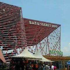 Photo taken at Batu Secret Zoo by Arieks C. on 9/30/2012