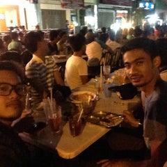 Photo taken at Al-Salam Restaurant by Zaki Z. on 10/25/2015