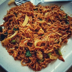 Photo taken at Restaurant Impian Shah Maju by SwINg P. on 11/3/2014
