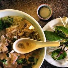 Photo taken at Pho Green Papaya & Deli by Natalia T. on 5/22/2013