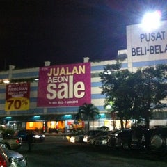 Photo taken at AEON Bukit Raja Shopping Centre by JoäNNë•Bīī💋 on 11/23/2012