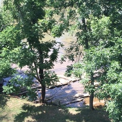Photo taken at Clarion Inn Willow River by Robert H. on 7/7/2014