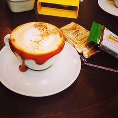 Photo taken at Havanna Café by Felipe V. on 9/28/2013