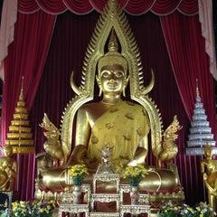 Photo taken at วัดหลวง (Wat Luang) by ปัจเจก บ. on 3/13/2015
