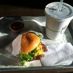 Photo taken at Shake Shack by Vanessa G. on 1/7/2013