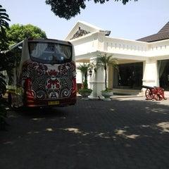 Photo taken at Museum Batik Kuno Danar Hadi by toni t. on 8/26/2015