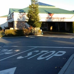 Photo taken at Feather Falls Casino & Lodge by Jason U. on 12/9/2013