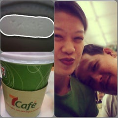 Photo taken at 7-Eleven by Jomai C. on 12/27/2012