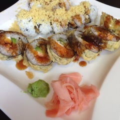 Photo taken at Osaka Japanese Restaurant by Deanna S. on 8/19/2013