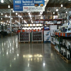 Photo taken at Costco by Gyu Young J. on 10/29/2012