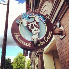 Photo taken at Molly Moon's Homemade Ice Cream by David V. on 8/29/2012