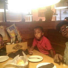 Photo taken at Texas Roadhouse by Rhey L. on 7/8/2014