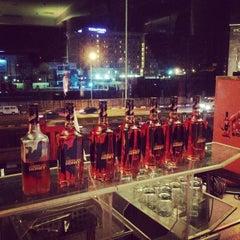 Photo taken at Oriental Hotel by @TiwaWorks :: Follow me on 10/31/2014
