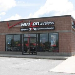 Photo taken at Wireless Zone by Thomas T. on 2/6/2014