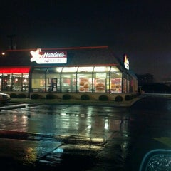 Photo taken at Hardee's / Red Burrito by Bob B. on 1/13/2013