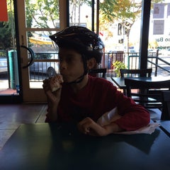 Photo taken at Happy Donuts by Jeff B. on 11/2/2014
