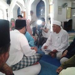 Photo taken at Masjid Nurul Iman Serendah by nashril on 5/24/2013
