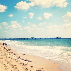 Photo taken at Lauderdale-By-The-Sea by Ana Carla C. on 5/15/2013