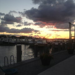 Photo taken at Fishbar on the Lake by Leslie on 9/14/2013