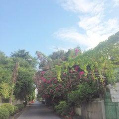 Photo taken at แยกวัดพระรามเก้า (Wat Rama IX Intersection) by Nisa C. on 7/25/2015