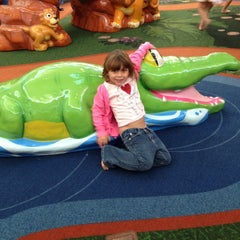 Photo taken at Sesame Street Safari Of Fun by GuruEnrique on 11/18/2012