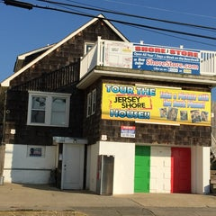 Photo taken at MTV Jersey Shore House by Simmo on 10/25/2014