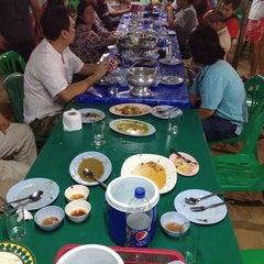 Photo taken at เจ๊อึ่งซีฟู๊ด (ป่าคั่น) Jae Aung Seafood by Aries .. on 4/7/2014