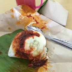 Photo taken at Restoran Zaman by Raja Indra P. on 4/18/2015