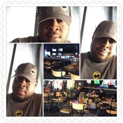 Photo taken at Buffalo Wild Wings by Dwight M. on 7/11/2015