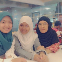 Photo taken at D'Cost Seafood by Riani M. on 3/22/2014
