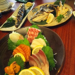 Photo taken at Sushi Tei by Aileen Y. on 11/27/2015