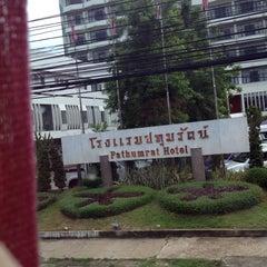 Photo taken at โรงแรมปทุมรัตน์ by Boraemon F. on 6/12/2014