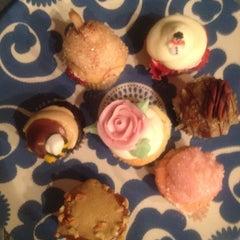 Photo taken at Elizabethan Desserts by Helena Y. on 11/30/2012