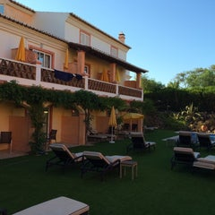 Photo taken at Costa D'Oiro Ambiance Village Hotel Lagos (Portugal) by Thomas B. on 6/28/2015