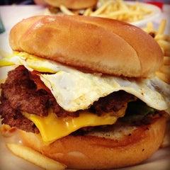 Photo taken at Steak 'n Shake by Kevin L. on 10/14/2012