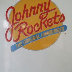 Photo taken at Johnny Rockets by Andrew B. on 4/25/2014