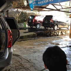 Photo taken at SHM Car wash by Ricky P. on 11/14/2012