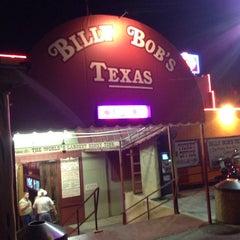 Photo taken at Billy Bob's Texas by Alex I. on 8/24/2013