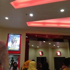 Photo taken at City Cinema, MGM by Raymond R. on 8/21/2012