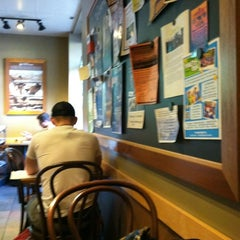 Photo taken at Starbucks by La L. on 8/14/2012