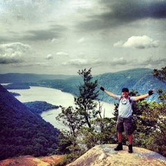Photo taken at Breakneck Ridge by Andriyanto S. on 6/11/2012