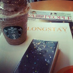 Photo taken at Starbucks (สตาร์บัคส์) by Siripoom K. on 6/15/2012