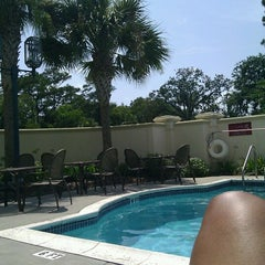 Photo taken at Hilton Garden Inn Jacksonville / Ponte Vedra by Tiano B. on 7/5/2012