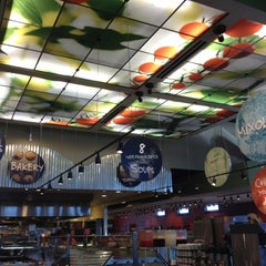 Photo taken at Sweet Tomatoes by Trina on 5/9/2012