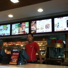 Photo taken at KFC by Fazy A. on 3/24/2012