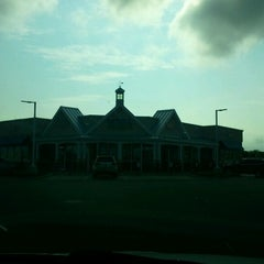 Photo taken at Royal Farms by Lindsay on 8/12/2012